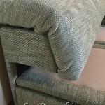 ▲複雑な形状のソファもきれいに張替え
