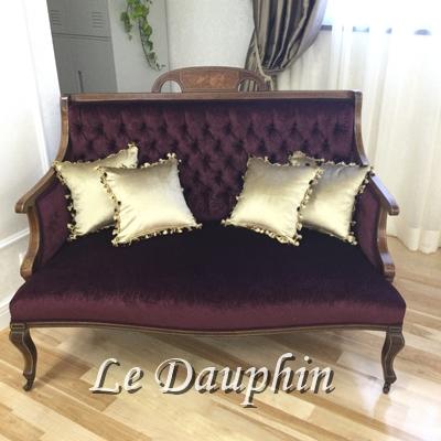 ▲アンティークのソファ